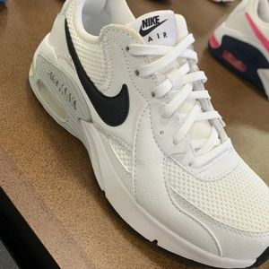 Brand New White Nike Air Max Size 6.5!